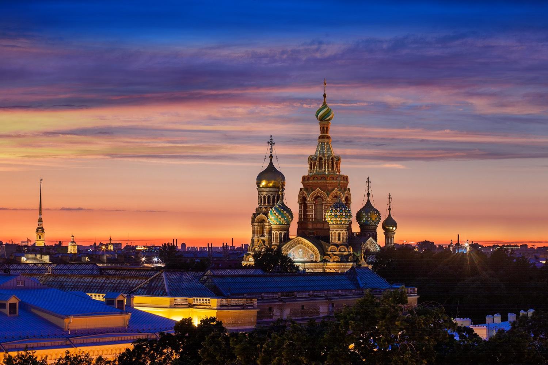 Белая ночь с видом на Петербург: роскошное летнее предложение от Гранд Отеля Европа